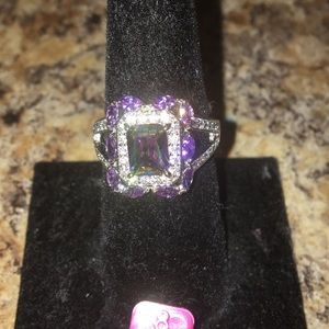 Beautiful New Multi Color Ring. Size 8.